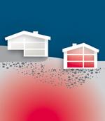 Roter Schleier vor Häusern